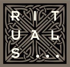 Rituals hjelper deg med å finne roen. Med en unik kombinasjon av hudpleie, mineral make-up, kroppsprodukter, grooming, Soulwear og produkter til hjemmet kombinerer Rituals moderne teknologi med gamle tradisjoner og ritualer fra Det Fjerne Østen.